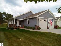 Cottages For Rent In Traverse City Mi by Condos For Sale In Greater Traverse City Mi 100 Listings
