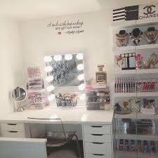 What Is A Vanity Room Best 25 Makeup Desk Ideas On Pinterest Vanity Vanity Area And