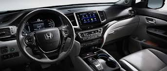 crossover honda the 2017 honda pilot family friendly three row crossover
