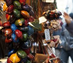 budapest christmas market shop for crafty gifts with a festive