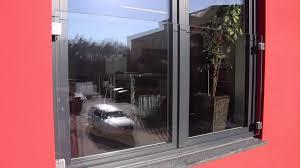 glas balkon französischer balkon aus glas mit glasklemmen befestigt