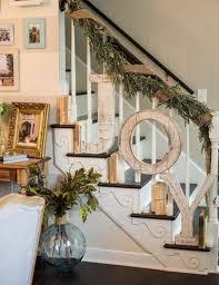 treppe dekorieren freude auf der treppe buchstabieren weihnachtliche treppenhaus