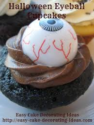 Halloween Cake Flavors by How To Decorate Halloween Eyeball Cupcakes