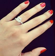 engagement rings 5000 dollars la pitcher c j wilson proposes to supermodel lisalla