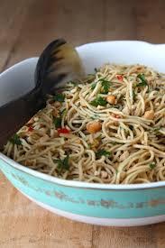 cuisiner des pates chinoises salade de nouilles chinoises aux saveurs exotiques le miam miam