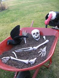 Creative Halloween Outdoor Decorations by 12 Outstanding Halloween Outdoor Decorations For 2017 7