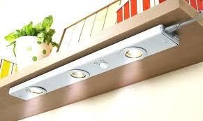 eclairage sous meuble cuisine led le cuisine sous meuble luminaire sous meuble cuisine eclairage