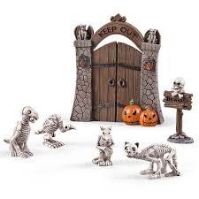 Halloween Hangman Skeleton Game Amazon Com Miniature Halloween Pet Cemetery Set 6pc Home U0026 Kitchen