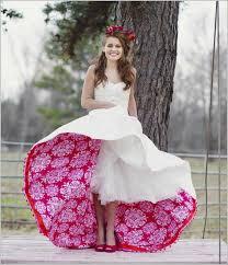 brautkleider ausgefallen ausgefallene brautkleider originelles design weiß rot florale