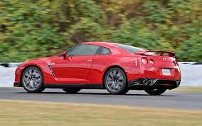 nissan car 2014 2014 nissan gt r japanese spec first drive motor trend