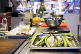 cours de cuisine halles de lyon cours de cuisine lyon bocuse atelier cuisine halles