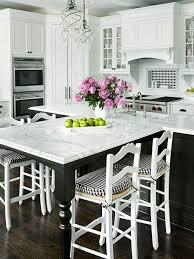 sur la table kitchen island on vous présente la table en marbre kitchens kitchen gadgets