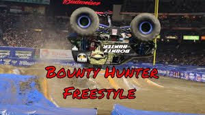 monster trucks jam videos monster jam 2017 bounty hunter freestyle youtube
