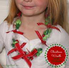christmas wreath candy necklace kids u0027 craft i dig pinterest