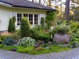Small Garden Paving Ideas by Home And Garden Designs At New Small Gardens Adorable 2048 1500