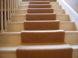 teppichboden treppe treppenläufer aus teppich wissenswertes
