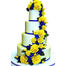 wedding cakes des moines best 25 cake wedding ideas on carlos bakery