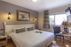 chambre en l chambre coté rue de l hotel le bretagne à ile chambre 2