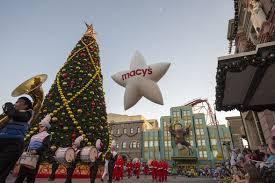 universal orlando hosts macy s parade wheretraveler