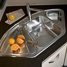 evier en coin pour cuisine un évier d angle pour une cuisine darty gain de place