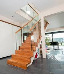 gerade treppe wiehl treppen aufgesattelte treppen