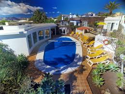 whispering palms sleeps 14 best villas lanzarote