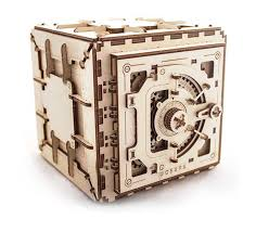 Build A Toy Box Kit by Diy U0026 Model Kits Thinkgeek