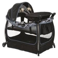pack n play with changing table love this pack n play the quick changing table is on a flip pivot