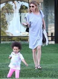 Anatomy Halloween Costumes Grey U0027s Anatomy Star Ellen Pompeo Chases Energetic Daughter
