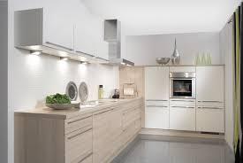 küche eiche hell helle kuche mit dunkler arbeitsplatte poipuview