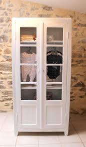 armoire pour chambre enfant une armoire étroite pour enfant restaurée chambre
