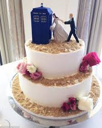 nerdy cake toppers the coolest ways to add nerdy touches to your wedding daily mail