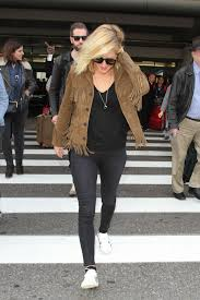 Style Ellie Goulding Goulding Airport Style Lax In Los Angeles December 2015