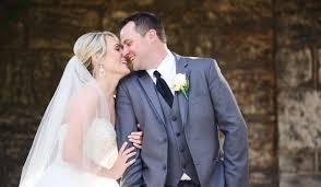 groom wedding thoughts every groom has on his wedding day weddingwire