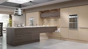 Modern Kitchen Designs Uk Modern Kitchen In A Fashionable Woograin Effect Combining