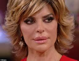 back view of lisa rinna hairstyle lisa rinna cries as kim richards returns gift on reunion daily