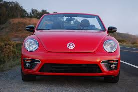2013 volkswagen beetle review video review 2013 volkswagen beetle convertible turbo car reviews and