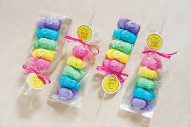 easy easter favor peep skewers gift favor ideas from