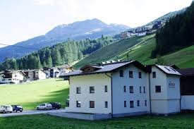 guesthouse haus hugo sölden austria booking com
