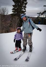 100 tips for teaching kids to ski mountain mom and tots
