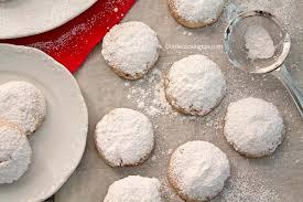 greek christmas butter cookies kourabiedes