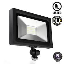 Led Outdoor Spot Lighting by Leonlite Led Outdoor Flood Light 30w 120w Equiv Ultra Bright