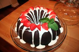 How To Decorate Chocolate Cake At Home Hunker Down And Eat Cake Dark Chocolate Bundt Cake With