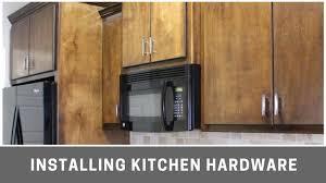 kreg cabinet hardware jig installing kitchen cabinet hardware with kreg cabinet jig youtube