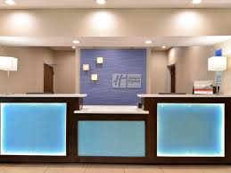 holiday inn express and suites blue ash 3977643190 4x3
