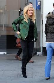 Style Ellie Goulding Ellie Goulding Poses In Black Lace Bra Showbiz