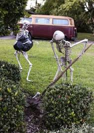 Diy Halloween Yard Decorations The 13 Best Diy Halloween Decorations Ever Posable Skeleton