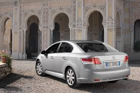lexus is 220 diesel opinie toyota avensis saloon review 2009 parkers