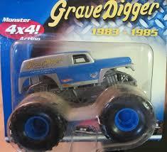 original grave digger monster truck amazon com 2002 wheels monster jam original grave digger with