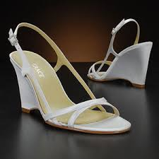 wedding shoes for grass wedding shoes visuelle productions s bridal show